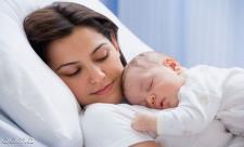 اهمیت آغوز برای نوزاد تازه متولد شده
