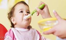 تف کردن، رفلکس یا استفراغ کودک بعد از خو