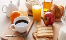 چرا کودکان باید صبحانه بخورند؟