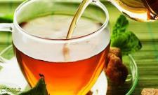 چای را پر رنگ بخوریم  بهتر است یا کمرنگ؟