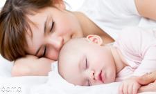 9 ترفند ساده مراقبت از نوزاد که مادرتان