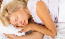 12 علت عرق کردن در خواب
