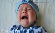 18 درمان نفخ شکم نوزاد