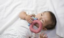 دندان در آوردن نوزاد و تب
