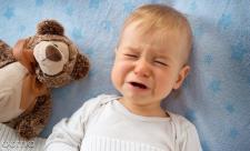 8 درمان دل درد در نوزادان