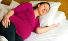 مشکلات  خوابیدن در سه ماهه سوم بارداری