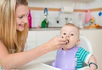 زمان از شیر گرفتن کودک  و 10 غذای کمکی مناسب