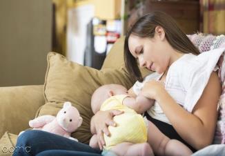 پوزیشن های صحیح شیر دادن به نوزاد