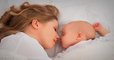 شیر دادن به بچه در خواب
