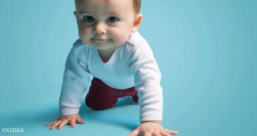 زمان ایستادن و راه رفتن کودک