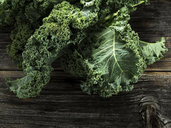 سبزیجات برگ سبز و بارداری