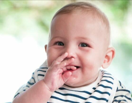 نوزاد ۵، ۶ ماهه