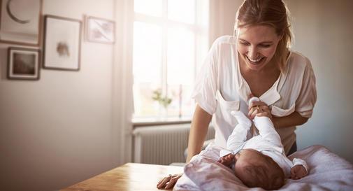 نوزاد چهار ماهه در هفته اول