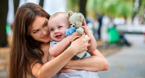 نوزاد شش ماهه در هفته چهارم