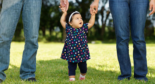 نوزاد هشت ماهه در هفته چهارم