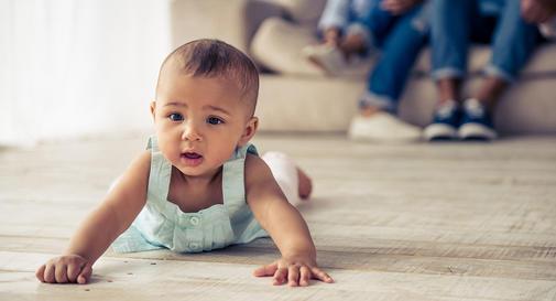 نوزاد هشت ماهه