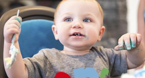 نوزاد دوازده ماهه در هفته اول