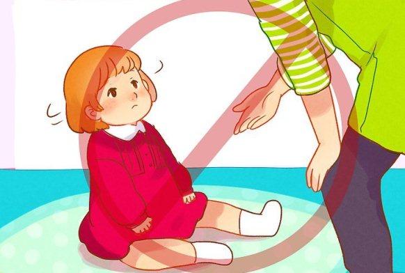 کمک به کودک در راه رفتن