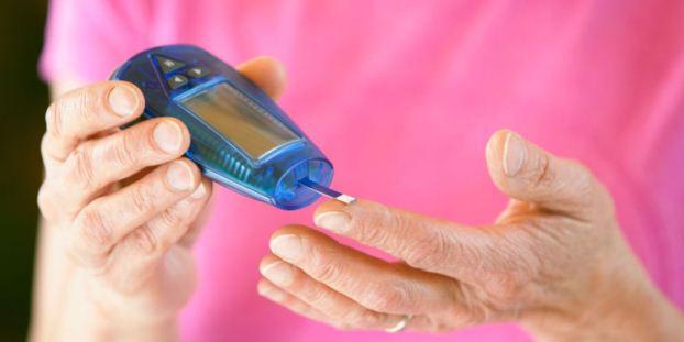 اندازه گیری قند خون در منزل