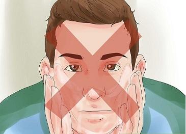 شستن صورت برای بهبود جوش صورت