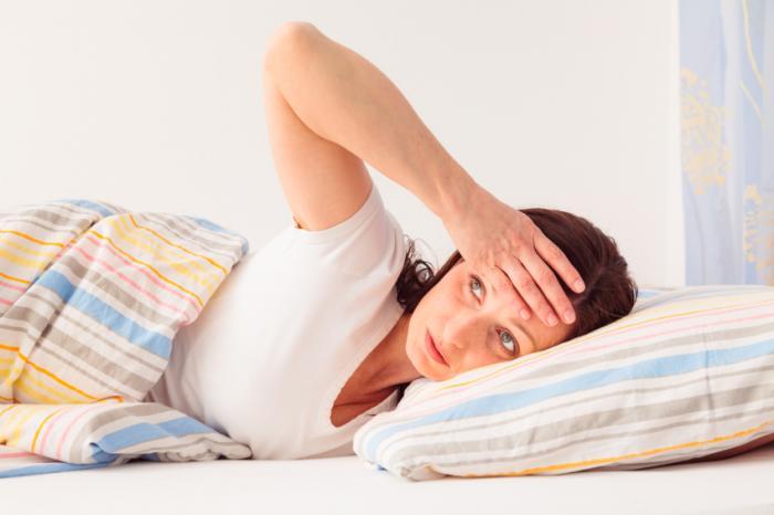 12 علت شایع عرق کردن در خواب