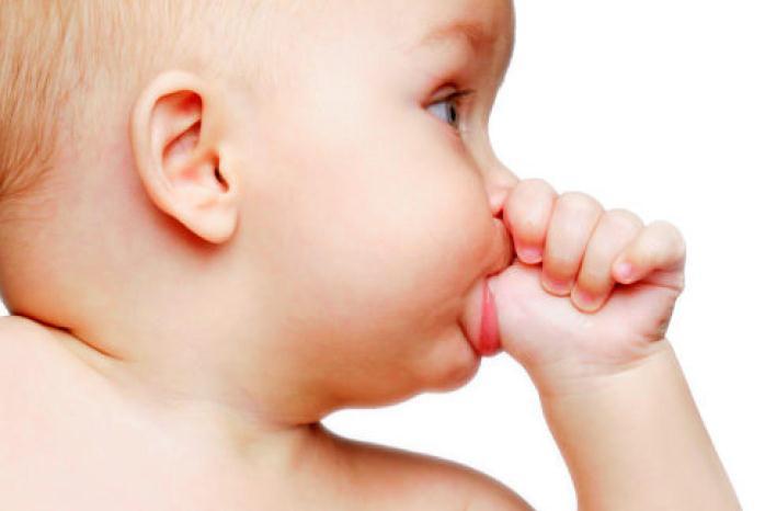 توقف مکیدن انگشت نوزاد