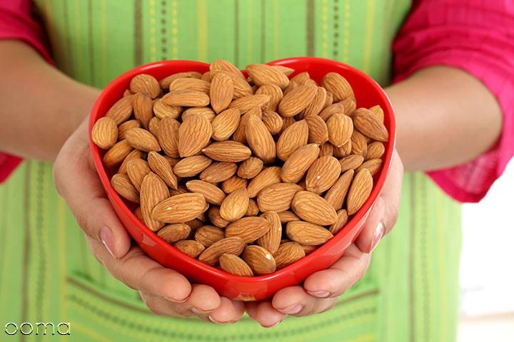 8 خواص مصرف بادام در بارداری