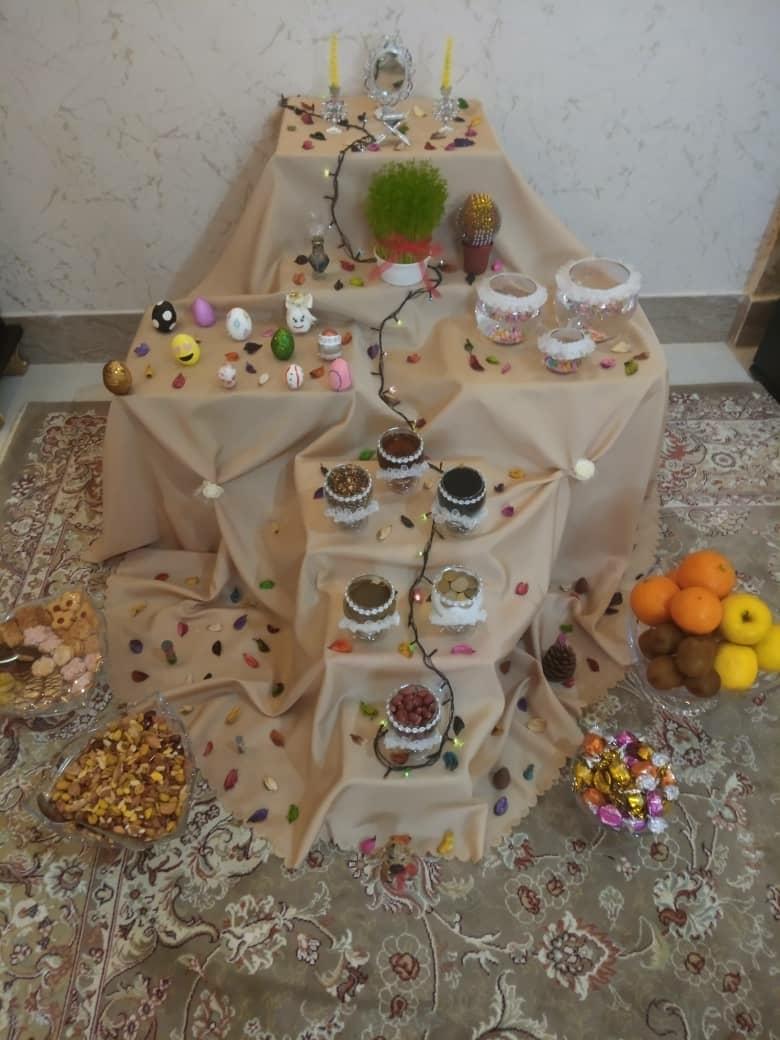 اینم هفت سین من عید همه دوستان عزیزم مبارک انشاالله همگی سال خوبی داشته باشین 😊